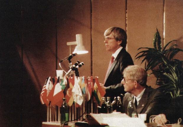 Garry Gordon presenting at a symposium